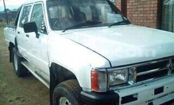 Buy Toyota Hilux White Car in Maseru in Maseru