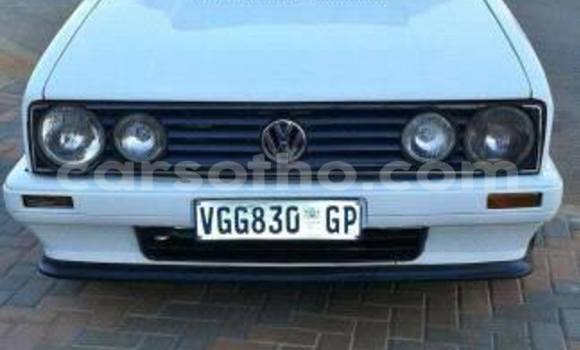 Buy Volkswagen Golf White Car in Maseru in Maseru